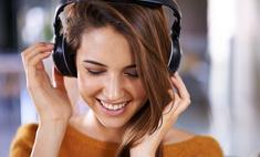На кухне, в пробке, перед сном: какие аудиокниги слушать