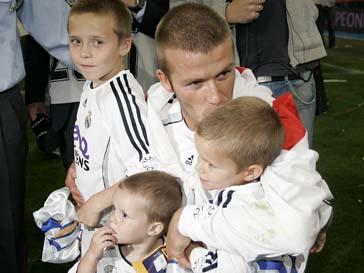 Дэвид Бекхэм (David Beckham) с сыновьями