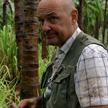 Джон Лок бродил по лесу из кокосовых пальм, обуреваемый мыслями о своем предназначении.