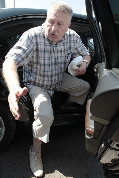 Владимир Жириновский: надо легче одеваться!