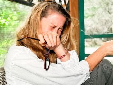 Женские слезы снижают половое влечение мужчин