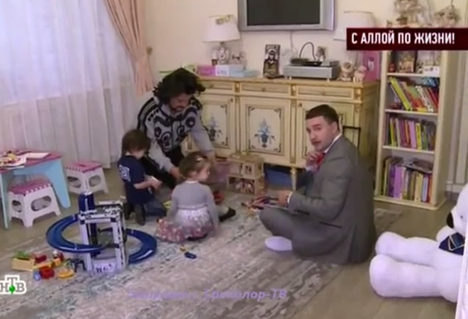 Киркоров с детьми: фото