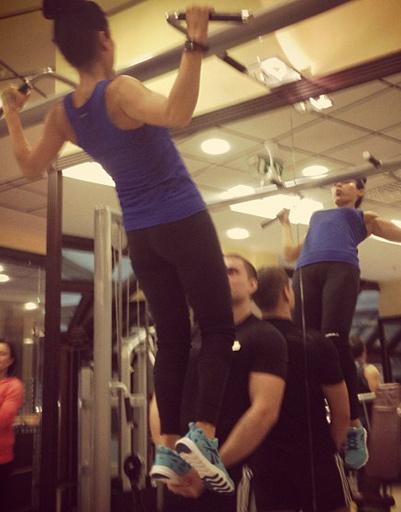 Подтягивание широким хватом - любимое упражнение Тины Канделаки