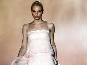 Андрей Пежич (Andrej Pejic) на показе Rosa Clara в рамках Недели свадебной моды в Барселоне