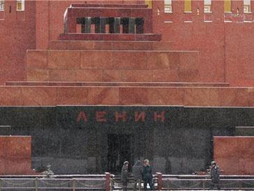Мавзолей Ленина закроют на профилактику