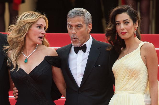Джулия Робертс с Джорджем и Амаль Клуни в Каннах фото