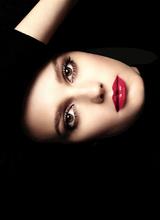 Марка Chanel выпустила новую коллекцию блесков для губ
