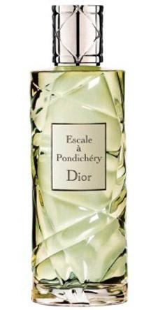 Escale à Pondichéry от Dior – элегантный аромат, посвященный Индии. Он словно окутывает кожу парфюмерным шлейфом, состоящим из аккордов черного чая, утонченного жасмина-самбака, сандалового дерева и пикантного кардамона.