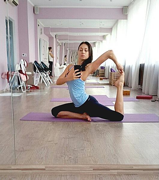 Селфи йоги