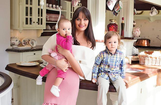 Оксана Федорова с семьей