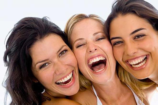Белоснежная улыбка, отбеливание зубов