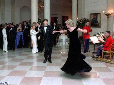 Принцесса Диана и Джон Траволта на вечере в Белом доме в 1985 году