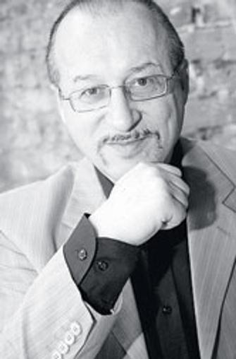 Юрий Прокопенко, научный сотрудник Московского НИИ психиатрии, автор 16 книг натемы любви и секса