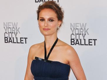 Натали Портман (Natalie Portman) призналась, что иногда мода ставит ее в неловкое положение