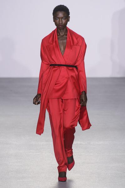 Самые красивые образы Недели моды в Лондоне | галерея [1] фото [67]