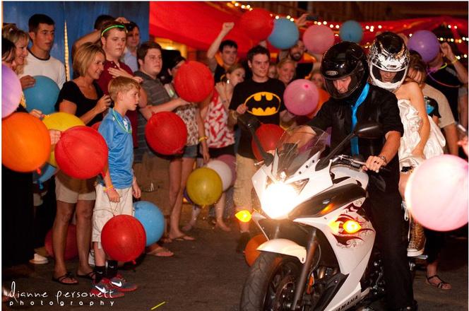 Свадьба в стиле Бэтмен фото