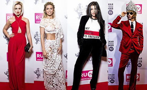 Звезды на премии RU.TV: Татьяна Навка привела дочь, а Виктория Дайнеко – мужа