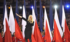 Кристина Агилера опозорилась на Суперкубке по футболу