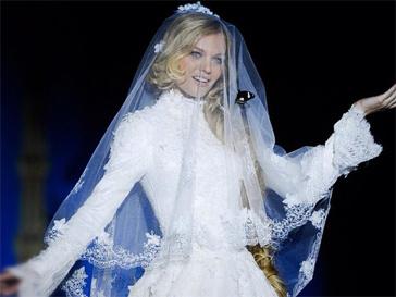 Лена Кулецкая в свадебном платье.