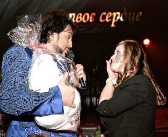 Фанатка-однофамилица Филиппа Киркорова открывает концертное агентство