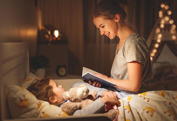 8 книг, которые можно почитать малышу на ночь