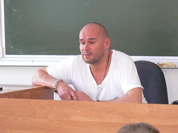 Максим Аверин в брянской школе