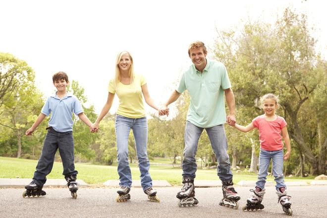 семейный отдых, спорт, ролики