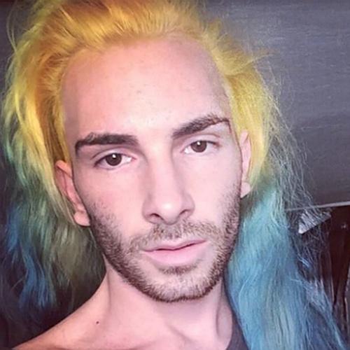 Мужской тренд: разноцветные волосы и борода