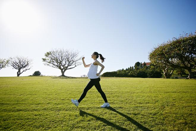 Фитнес, спорт и диеты во время беременности