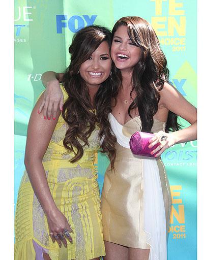 Селена Гомес (Selena Gomez) Деми Ловато (Demi Lovato)