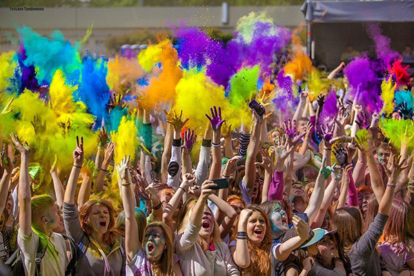 фестивали августа, фестиваль красок холи, краски холи