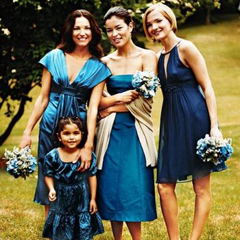 Платья морских цветов: коктейль синего, кобальтового и лазурного.