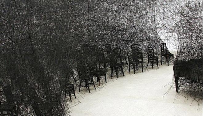 Чихару Шиота «В тишине», 2008.