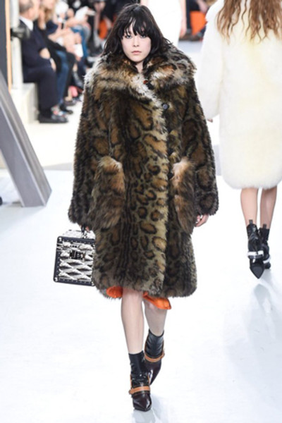 Неделя моды в Париже: показ Louis Vuitton ready-to-wear осень-зима 2015/16 | галерея [1] фото [21]