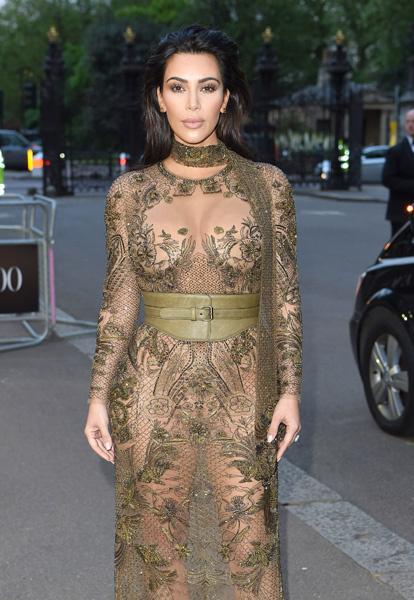 Ким Кардашьян в голом платье