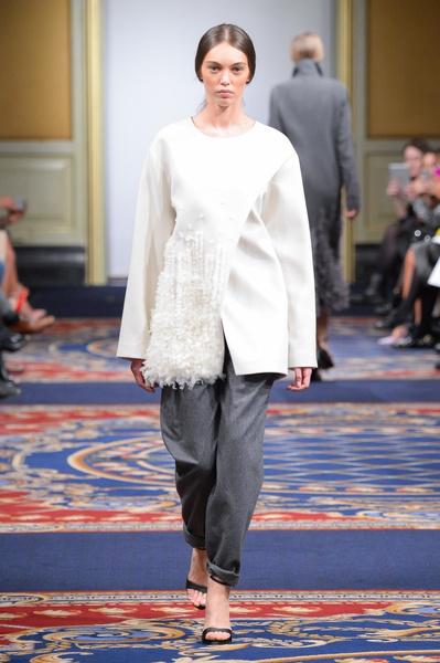 Показ осенне-зимней коллекции Ruban на Mercedes-Benz Fashion Week RussiaПоказ осенне-зимней коллекции Ruban на Mercedes-Benz Fashion Week Russia   галерея [2] фото [23]