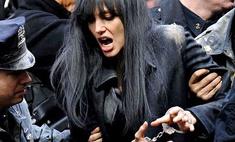 Визит Анджелины Джоли в Москву начался со скандала