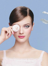 Chanel представили коллекцию макияжа La Perle De Chanel