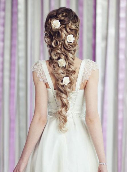 Как украсить цветами свадебную прическу?   галерея [2] фото [6]