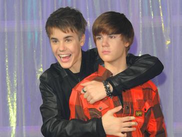 Джастин Бибер (Justin Bieber) фотографировался и принимал забавные позы