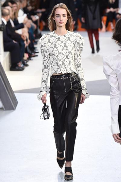 Неделя моды в Париже: показ Louis Vuitton ready-to-wear осень-зима 2015/16 | галерея [1] фото [2]
