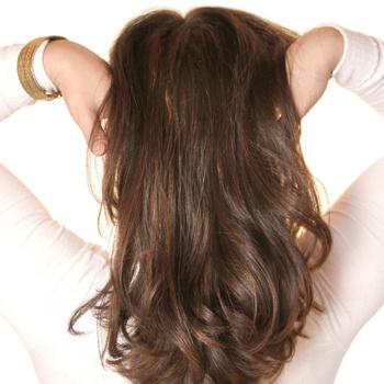 Волосы относятся к тем объектам, которые не стоит теребить в руках