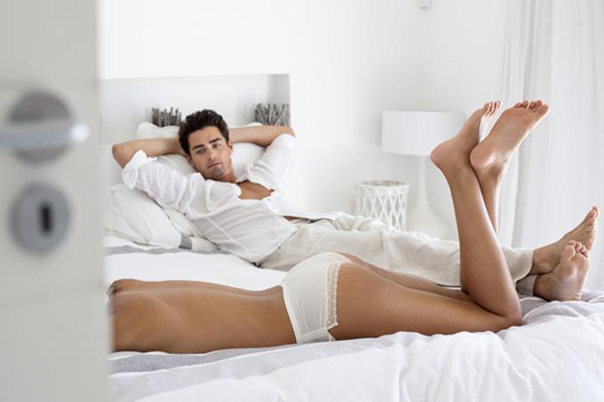 Шесть мужских фантазий о том, что доставляет женщине сексуальное удовольствие