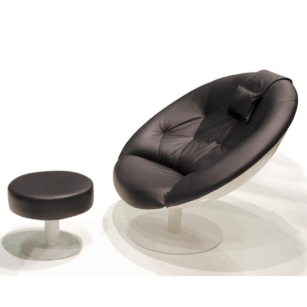 Кресло и табурет Kupu. Производитель: Kaani (Финляндия). 110 590 и 17 100 руб.