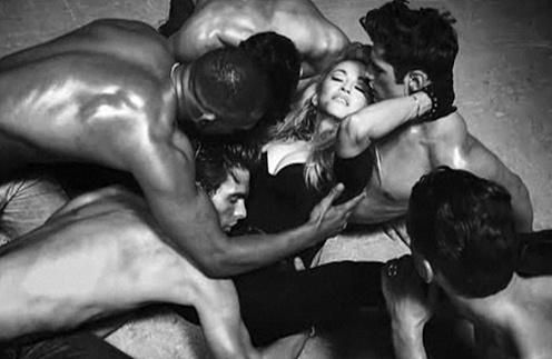 Клип Мадонны Girl Gone Wild