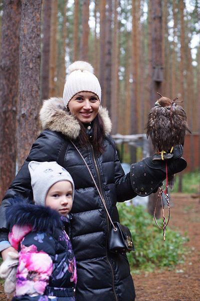 Евгения Курочкина с дочкой Миланой, фото