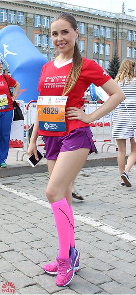 "Юлия Михалкова, актриса «Шоу Уральские пельмени», марафон ""Европа-Азия 2016"", фото"