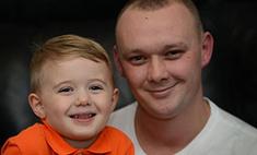 Малыш спас жизнь папе, насильно скормив ему йогурт