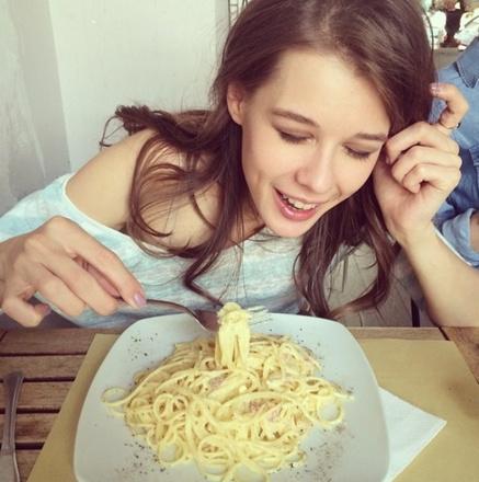 «Моя первая настоящая итальянская паста. Милан. Исторический момент» - подписала фото Катерина
