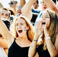 Как стать идеальной девушкой футбольного фаната: инструкция